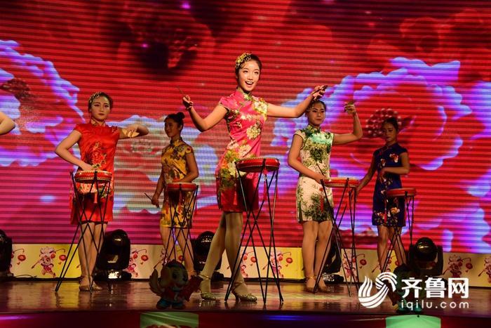 2018年2月8日,山东省茌平县春节联欢晚会现场。 (42)_副本.jpg