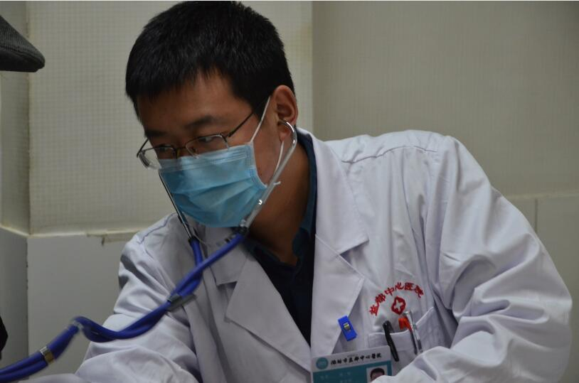 """【旺年旺语】潍坊36岁""""急诊卫士""""的担纲与坚守"""