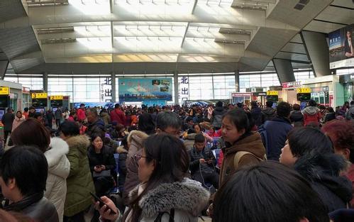 山东:春节假期结束 公路铁路机场迎来返程高峰