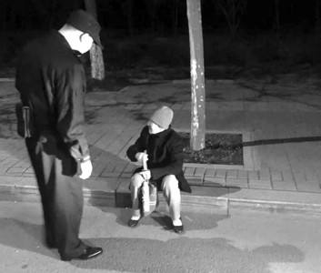 淄博八旬老人在儿子家过年外出散步迷路 民警帮其回家