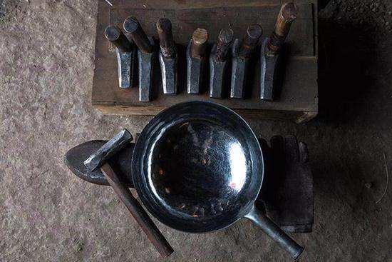 章丘铁锅产品标准初稿形成 将注册地理标志商标保护