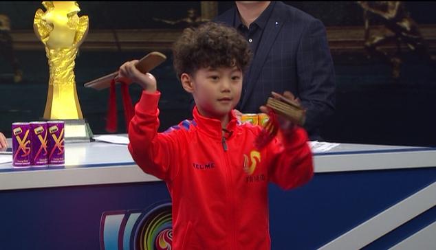 55秒|首位超级球童柴浚丰亮相山东台《超级赛场》
