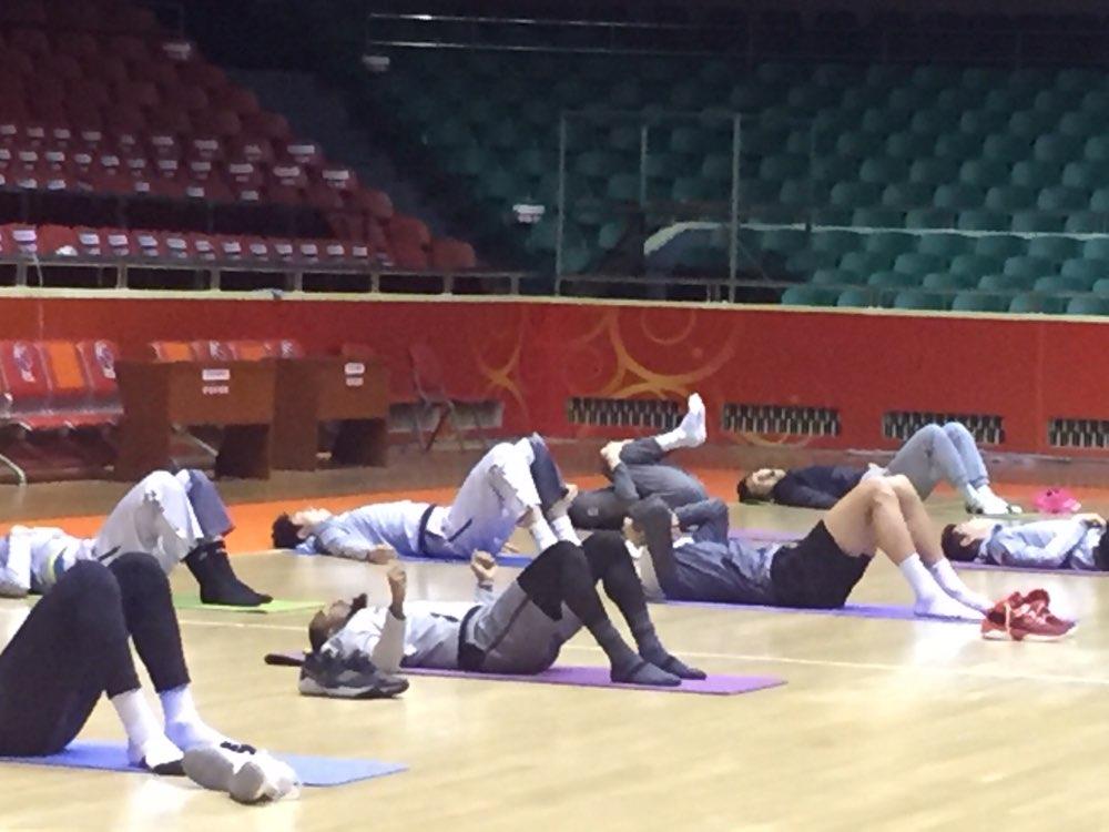 莱恩首次参加山东男篮训练 加入训练迎全队掌声