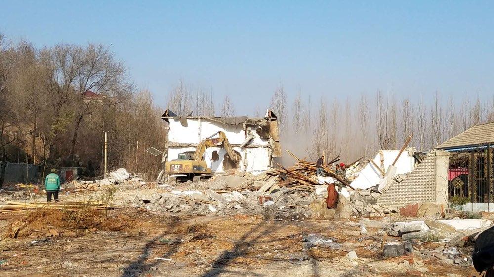 重拳!济南南部山区红旗农家院3万平米违建开拆