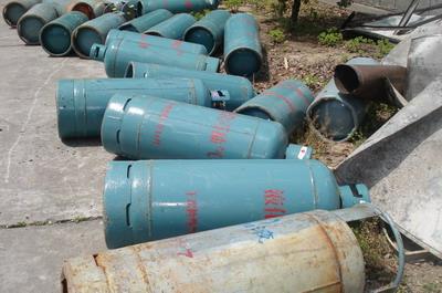 """民房非法存放42个""""问题液化气钢瓶"""" 业主被立案调查"""