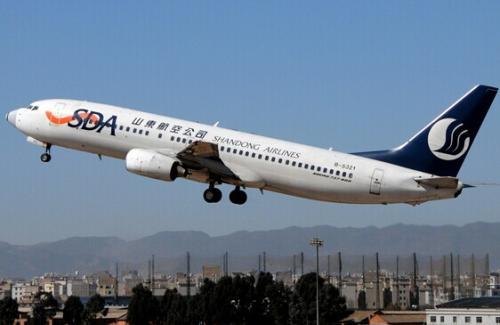 129秒|一场万米高空的救援:全体旅客一致同意飞机备降救人