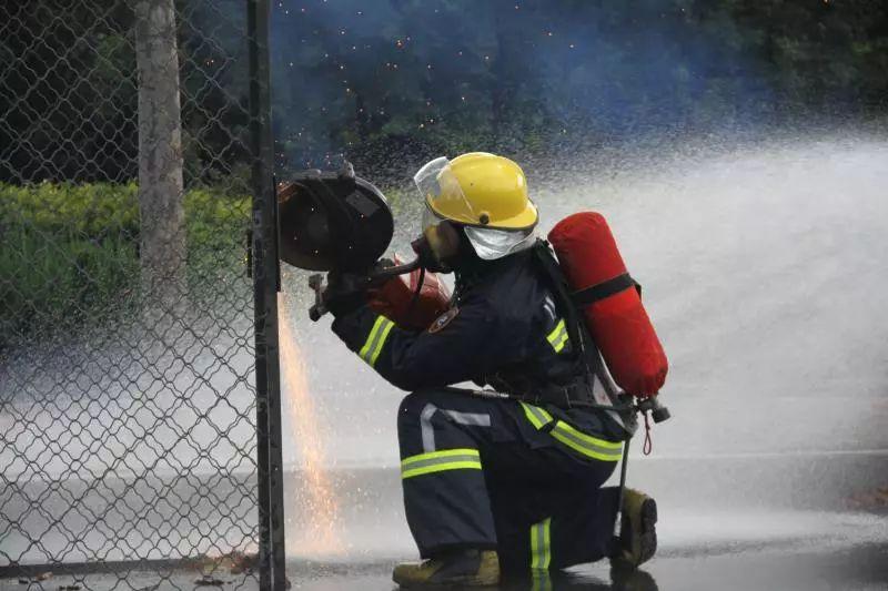 潍坊消防公开招收100名政府专职消防队员