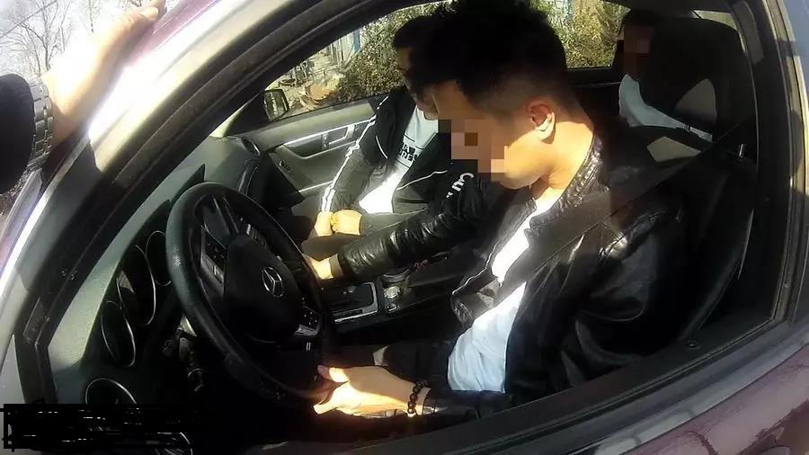 烟台男子借豪车接朋友出狱被罚8千8,还把自己搭进去了