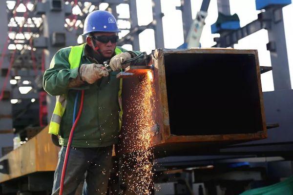 济南西部会展中心已吊装钢结构2.8万吨 总用钢量堪比鸟巢