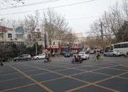 """潍坊一丁字路口施划黄色""""网状线"""" 驾驶员怎么走看这里"""
