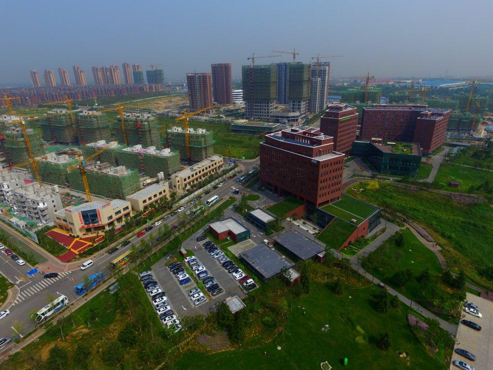 青岛要闻  齐鲁网3月30日讯 3月30日,cidm集成电路项目在青岛西海岸