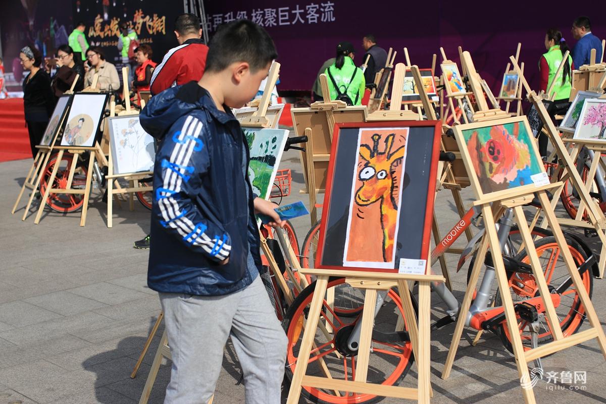 济南刚刚举办了一场特别的画展,作品让人太惊讶
