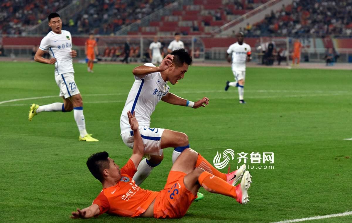 鲁能主场负贵州 球迷李哲:球员心态变化导致输球