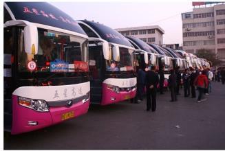 淄博汽车总站4日下午发送旅客12000余人 乘车要带有效证件