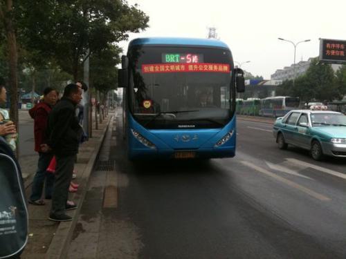 清明大数据:济南609万人次选择乘坐公交车出行
