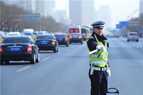 清明假期山东高速交警查处重点交通违法2399起