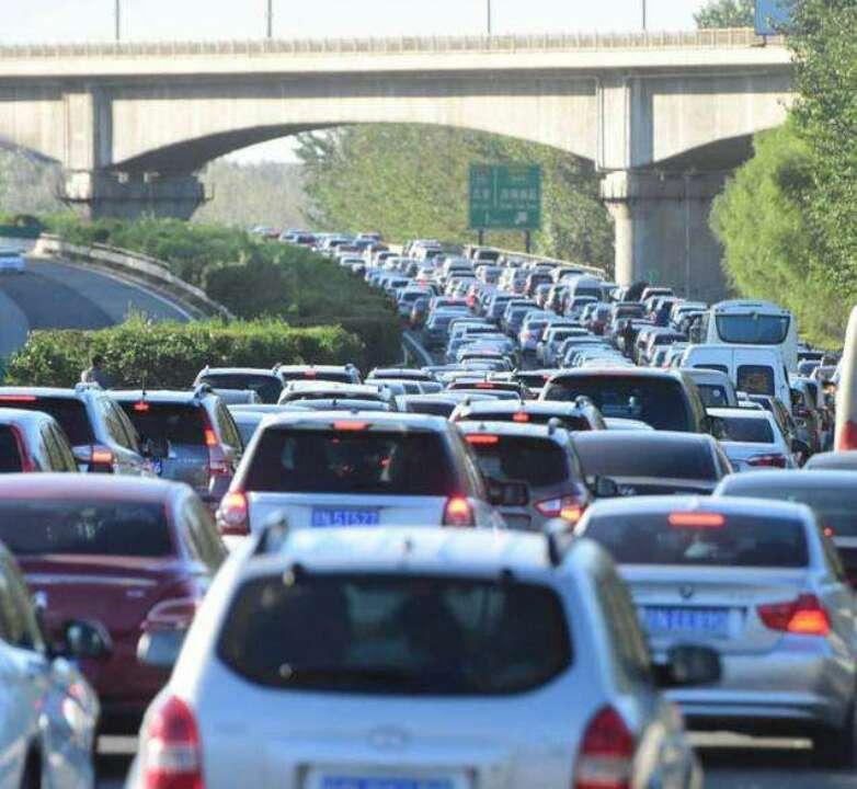 清明假期全国高速公路总交通流量约1.31亿辆次