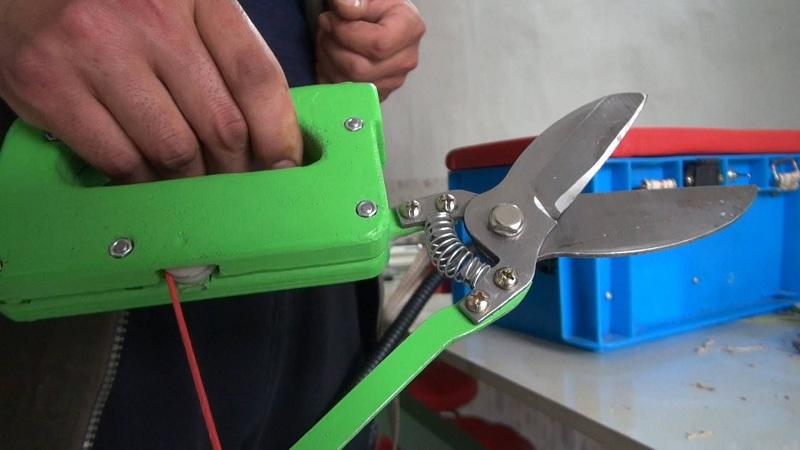 60秒|80后农民发明电动大蒜剪刀 已申报专利