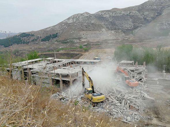 清拆全覆盖!济南西营拆除8300余平非法养殖场