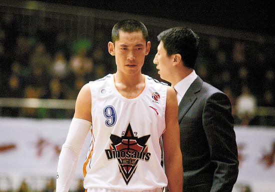 张庆鹏离队纯属传闻 高速男篮正式进入休赛假期