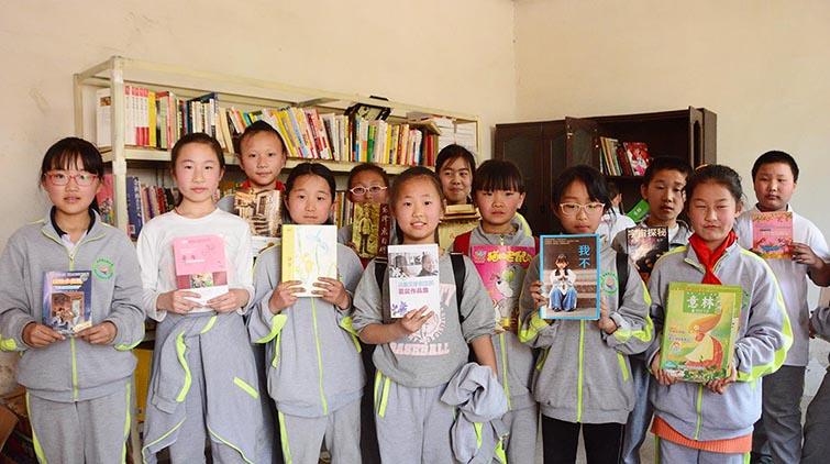 济南36岁农民建书屋:只想让孩子们有一个放学后能看书的地方