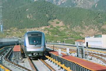 青岛地铁11号线将于23日试运营 首班车早6点半发车