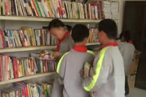 济南农村妈妈为留守儿童建爱心书屋 借阅一个月从未丢过书