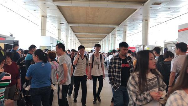 济南长途汽车总站迎客流高峰 建议规划行程提前购票