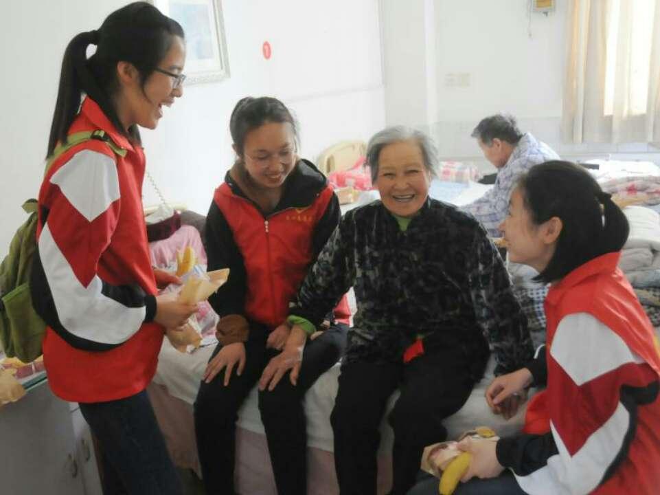 淄博这30名学子这样度过五一节 奉献爱心也是劳动
