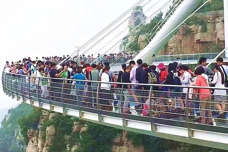 多个景区人山人海 淄博五一期间多措并举引爆旅游市场