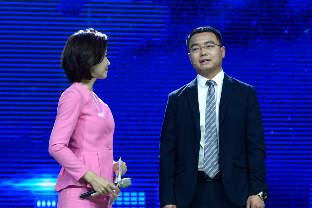"""""""齐鲁最美青年""""杨川:仅用4个月促成300亿大合作"""