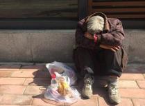 淄博老人潍坊街头走失 警务助理帮助其平安回家