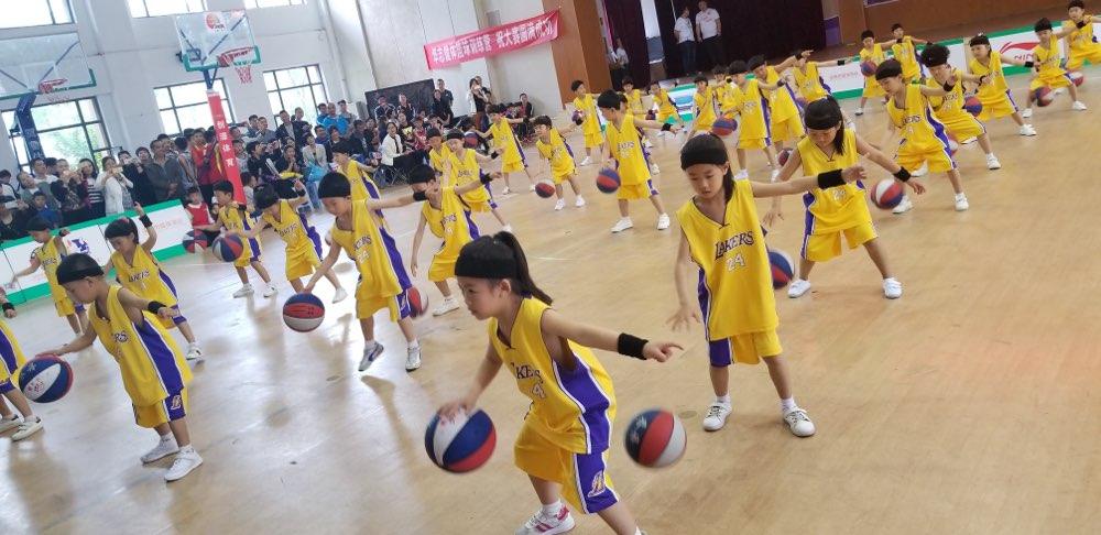 2018中国小篮球联赛(淄博赛区)正式启动 丁彦雨航任推广大使