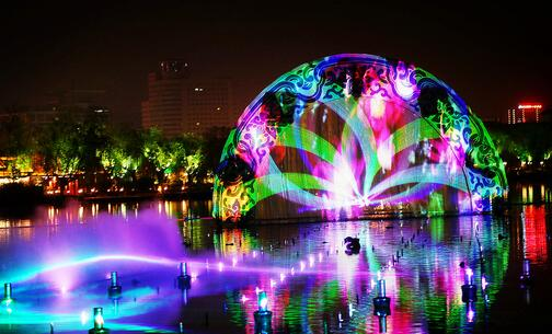 济南:首场明湖秀今夜免费上演 多条公交线路增加班次