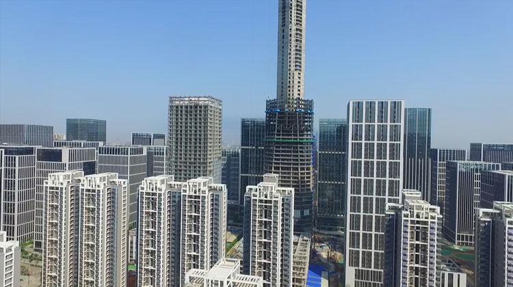 突破305米!49秒航拍济南在建第一高楼