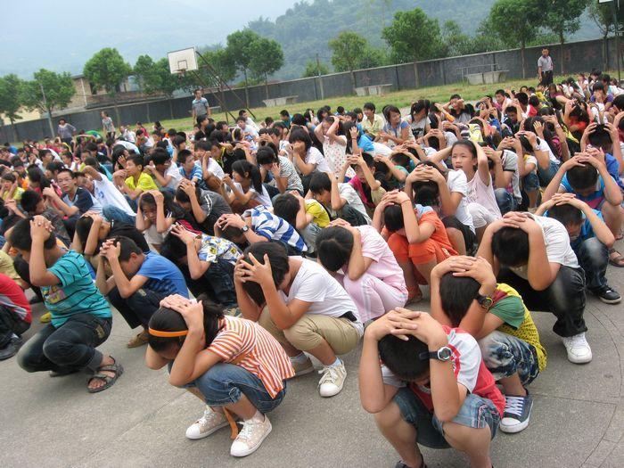 枣庄山亭开展地震疏散演练 3000多师生3分19秒疏散完毕