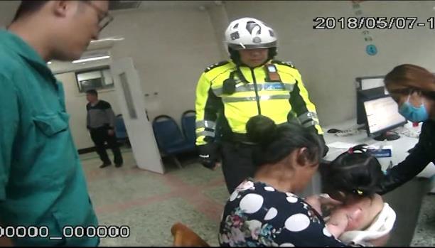 揪心!滕州两岁半女童严重烧伤 交警开辟绿色通道紧急送医