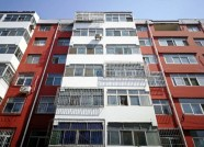 """防盗门、停车棚都有了 潍坊这些老小区居民免费住上""""新房"""""""