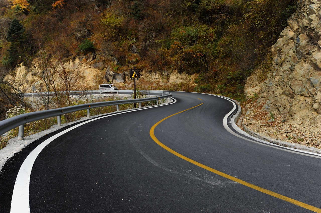 沂水县投资近2000万元整改道路交通安全隐患
