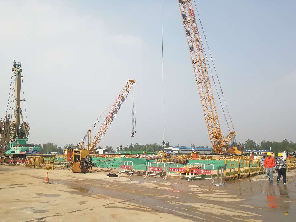 济南黄河隧道工程进入盾构机始发井施工阶段