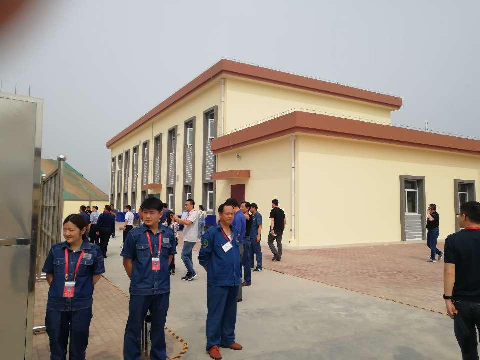济青高铁首个地级站信号楼完工 年底将全线开通