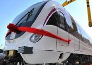 济南R1线首辆列车正式亮相 四节车厢可容纳960人