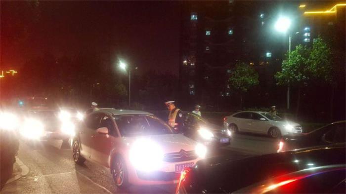 """感觉离家近酒后开车上路 潍坊这位""""酒司机""""家门口被查"""