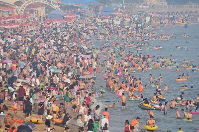 海丽气象吧丨周末下雨魔咒再现,高温继续蔓延!避暑还得去海边