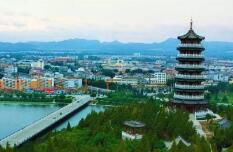 临朐县冶源镇教管办一校一策精准资助贫困学生