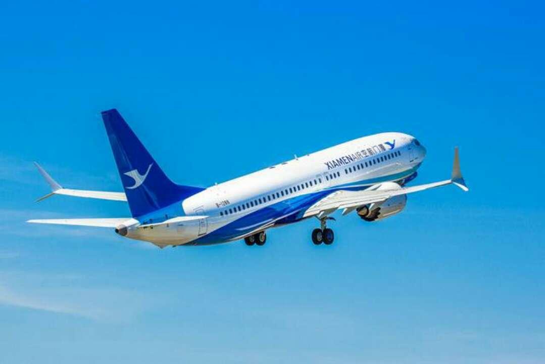 厦航737max机型首飞济南 泉城市民家门口乘波音新飞机