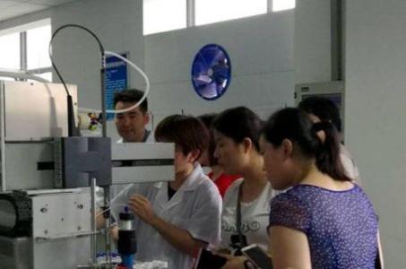 山东省食药监局、省食药检院联合举办实验室开放日活动
