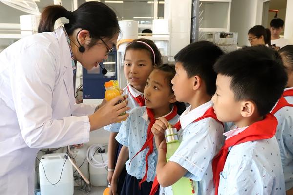 山东食药部门举办实验室开放日 提高儿童食品安全意识