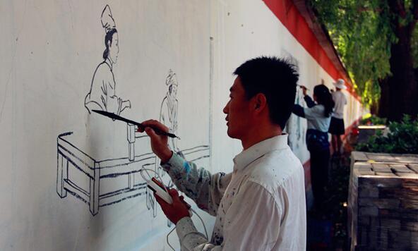 """临沂兰山""""二十四孝""""图上墙 弘扬孝道文化"""