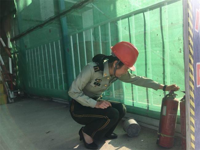 """潍坊经济消防""""问诊""""在建工地消防安全 做好夏季火灾防控"""